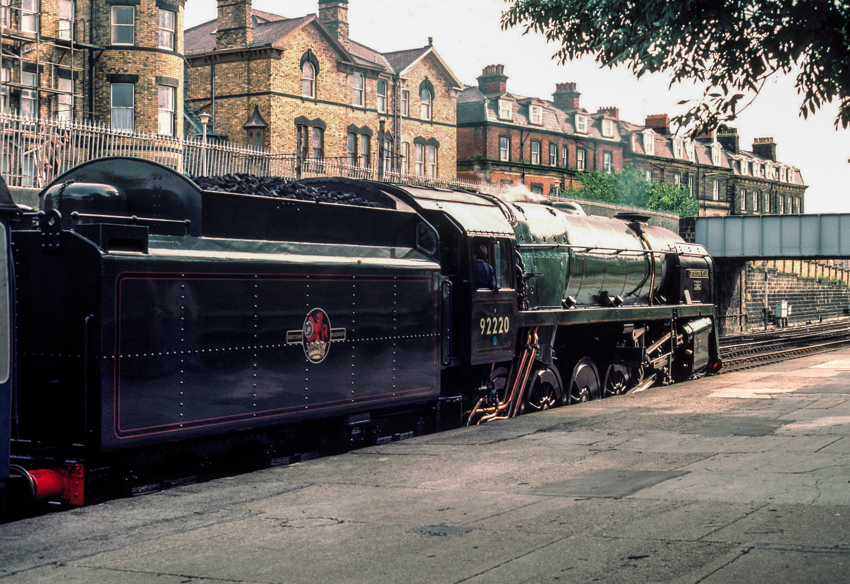 92220 Evening Star at simmers at Scarborough waiting to return to York 22/8/85