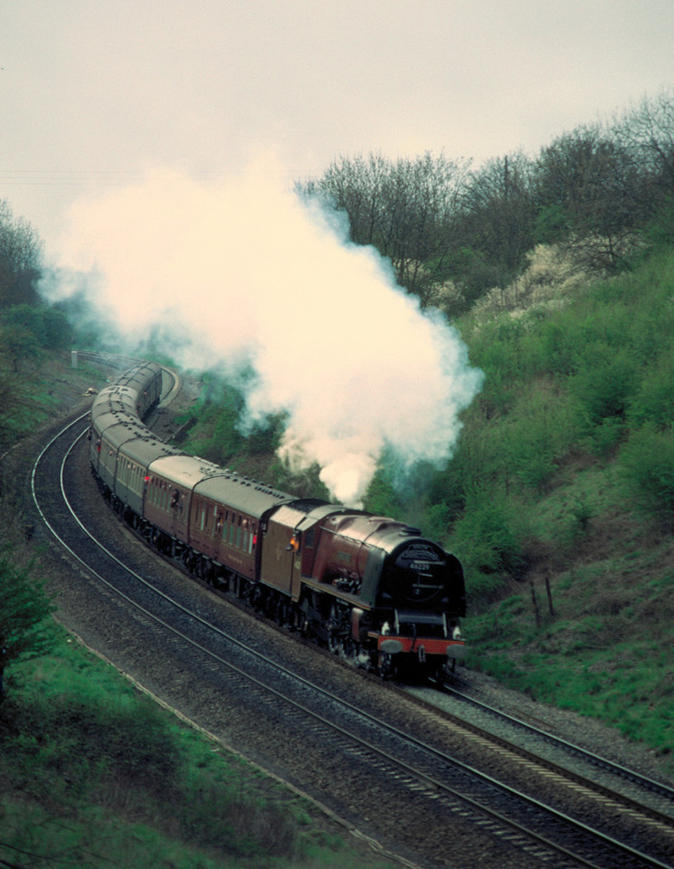 46229 Duchess of Hamilton at Harbury cutting (York-London) 4/5/85