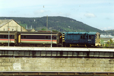 08762 goes about its business shunting sleeper stock.