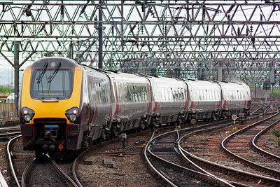 Having previously worked in from Bristol, 221120 now departs heading for Bournemouth, 1O50 1427 off.