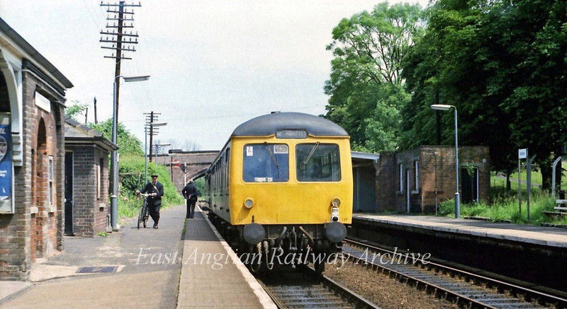 1340 Manningtree to Harwich stands at Mistley. 26th June 1979