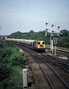 We were invited into the signal box at Syston  which gave a good view of the signal to the north of the junction.  20142 20006 approaching Syston North with  train from mountsorrel June1986