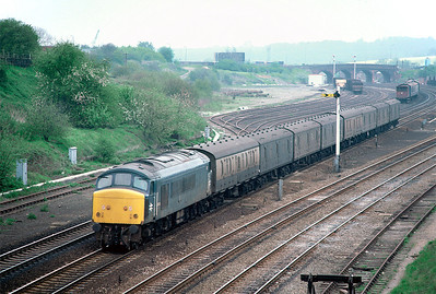 45034 heading a southbound Parcels train past largely empty sidings at Wellingborough 11/5/85