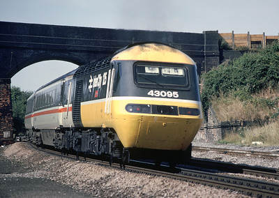 HST 43095 leaving Wellingborough Aug 89