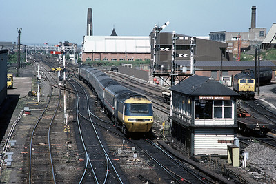 Unidentified HST approaching leicester from the North on a staurday in June 1986