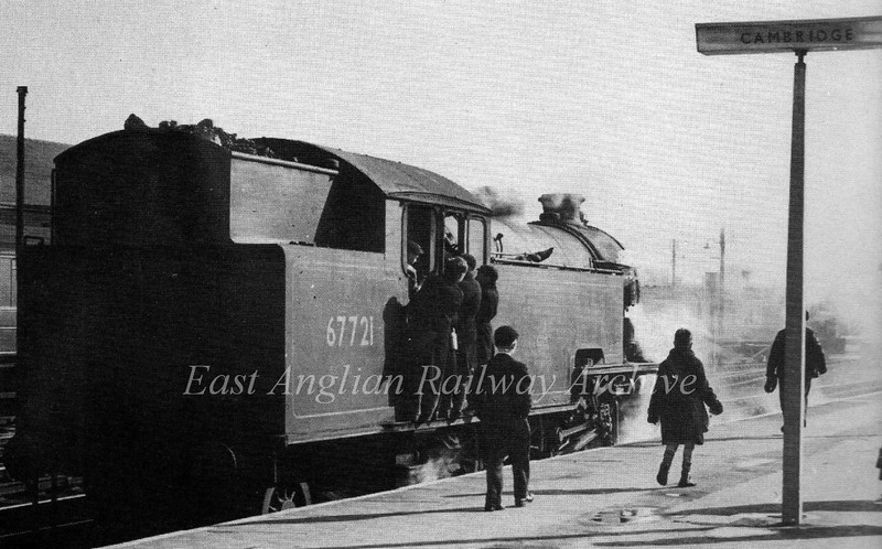 Class L1 No 67721 at Cambridge Station c1961. The boy to the left of the post with the short trousers is the website owner.  Photo A.V.Fincham. From left to right the boys are believed to be Frances Crane, John Moore, unknown, Graham Sadler, On the platform, David Crane and Alan Moore.