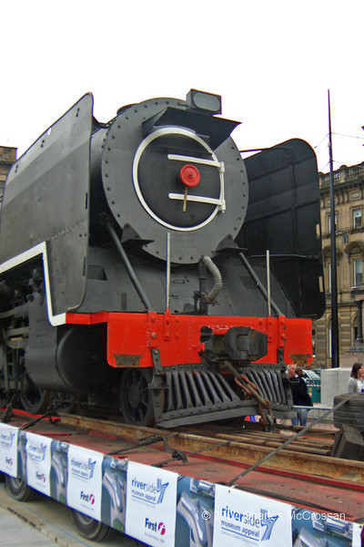 NB Class 15 No 3007 in George Square - 24th August, 2007