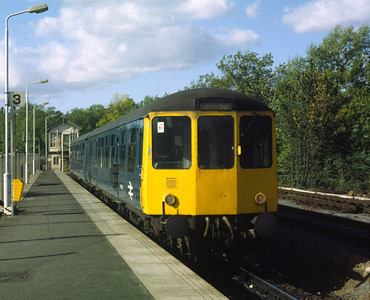 class 104 DMU 53455 53522 at Gospel oak with 13,15 to Barking 20/10/84