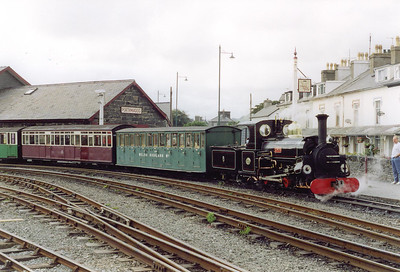Back at Porthmadog and Linda has run round its train and will stable the stock in one of the station sidings.  The first coach is an original Welsh Highland Railway vehicle.