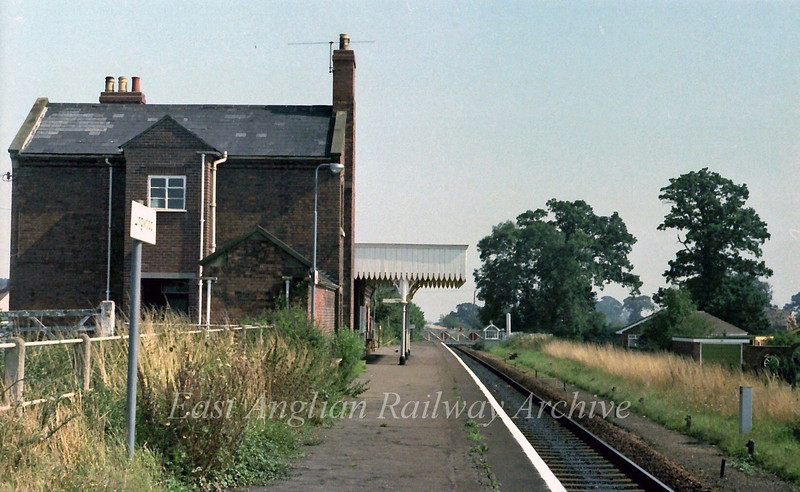 Lingwood looking towards Acle.  6th September 1979