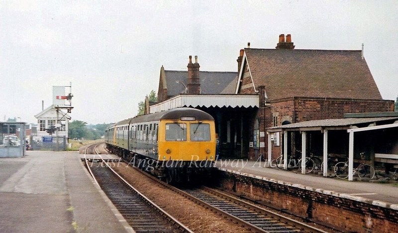 The 1500 Norwich to Lowestoft arrives at Oulton Broad North on 28th June 1979.