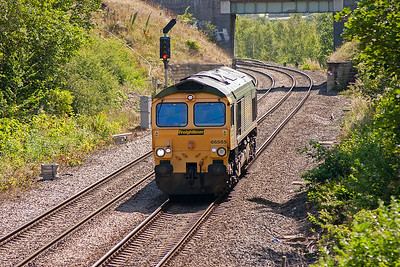 Another light engine move sees 66565 approach north bound possibly heading for Leeds Midland Road depot...or possibly not!