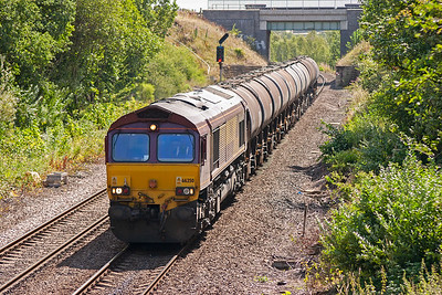 Four minutes after the GBRf working passed, 66250 appeared with 6D78 WO 1040 Belmont Yard to Neville Hill loaded fuel tanks.