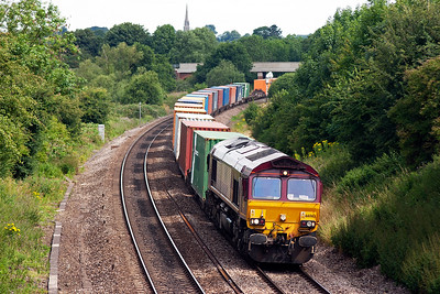 66063 approaches Aynho Junction with an unidentified intermodal service probably for Southampton.