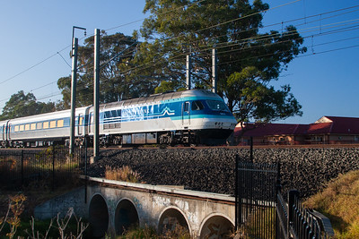 XPT heading west