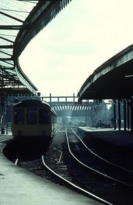 Class 110 DMU leaving York – (51819, 59710, 51831) 25/9/82
