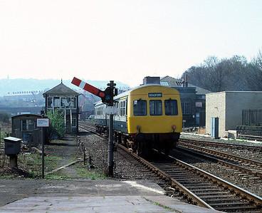 Class 101 DMU leaving Shipley, for Bradford Forster Sq April 1982