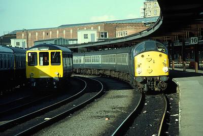 40027 17.10 York Manchester , ex works class 104 DMU (50515 59219 50498) at York 25/9/82