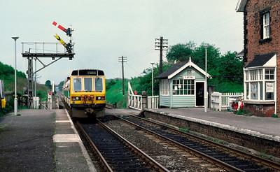 Class 141 55533 55513 at Cattal 10.08 York Leeds 27/5/85