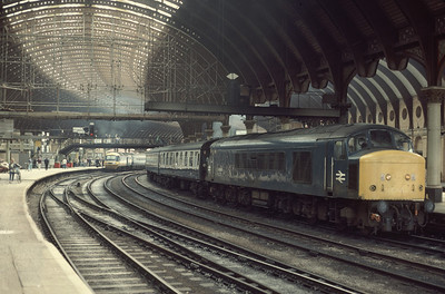 45140 12.05 Liverpool – Scarborough at York Station 8/8/85