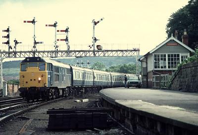 31454  11.14 Bangor Scarborough passing Falsgrave 22/8/85