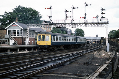 Class 108 DMU 112.30 Hull Scarborough passing Falsgrave box 22/8/85
