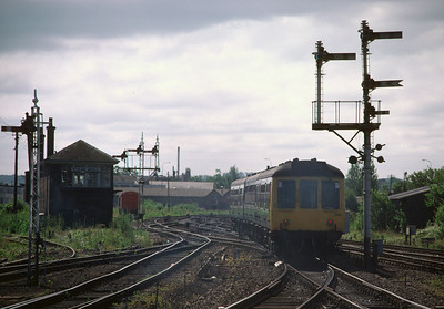 DMU Set 386 arriving at Stirling 25/6/88