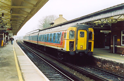 A terminating service from the south coast resort of Brighton is formed by single class 421 4CIG unit 1881.  The diagram is 1Y28 1057 off Brighton.