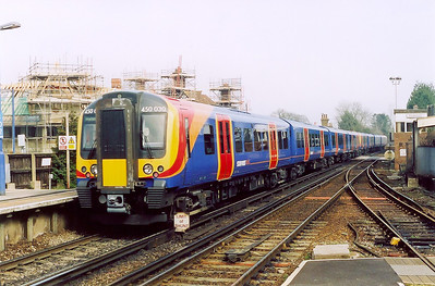 Back at Brockenhurst and Desiro units 450035 and 450030 have returned from Waterloo working 1B40 1105 SuO train to Bournemouth.