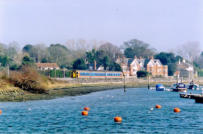 Phil has put up the 97 headcode for one last time as he gets away from Lymington's Pier station with 2P30 1314 SuO off to Brokenhurst.  He will have one more return run then goes home to Bournemouth on the cushions.