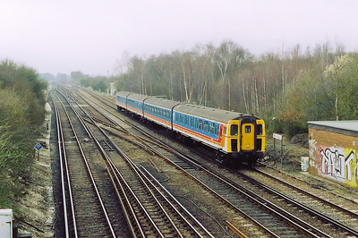 A single four coach 4VEP unit nears its journey's end having worked a class 2 local service from Fareham to Basingstoke, 2T34 1005 off.