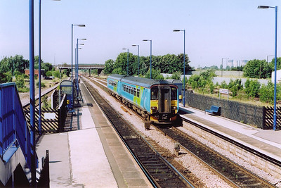 A class 2 stopping service arrives with 156475 working 2C20, 0946 off Doncaster to Hull.