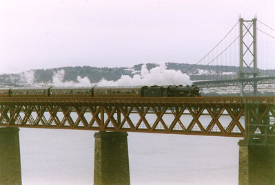 Ian Storey's Stephenson link 4-6-0 slowly passes over the northern viaduct between the cantilevers and North Queensferry station.