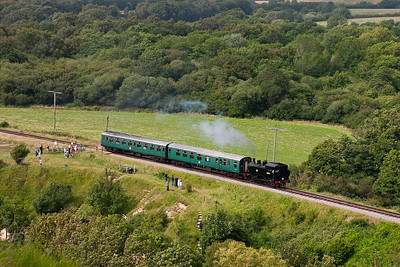 30075 fronts shuttle 2H20 1610 from Norden to Harmans Cross made up of just two coaches.