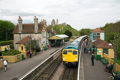 The wonderful vista of Corfe Castle station with D5343 in charge of 2N05 1045 from Norden to Swanage.