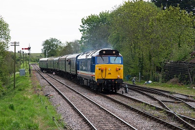 Another up service arrives with English Electric type 4 50026 Indomitable at the head in Network SouthEast livery.  Its train is 1N04 1116 Swanage to Norden.  The class 50 is a favourite choice for the annual gala.
