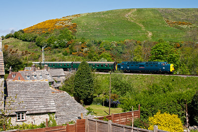 Lunch time with Mark Cadell and Phil Milesko in the beer garden of The Bankes Arms, Corfe Castle. What a great view from the beer terrace as 55022 passes the tall double acting down starter and runs in with 2S11 1310 from Norden to Swanage.
