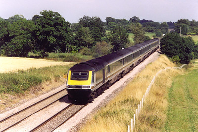 Another unidentified high speed set runs westwards under a very hot sun. The working is 1C49 1533 Paddington to Penzance.