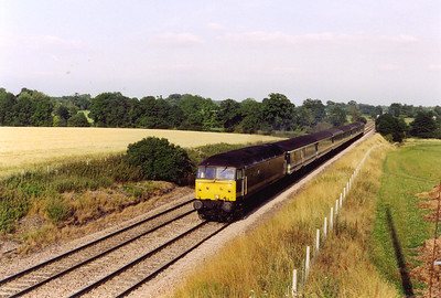A down loco hauled working approaches with 47832 dropping down the 1 in 225 gradient fronting 1C56 1633 Paddington to Penzance.