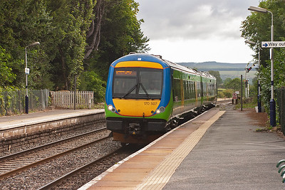 170507 is employed on 1M03 0634 Nottingham to Liverpool Lime Street service and is not booked to stop at Edale.