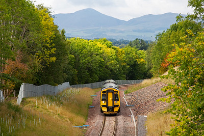 Moving south again and I am at Gorebridge and 158734 approaches with 2T74 1024 from Edinburgh to Tweedbank.  17/9/2015
