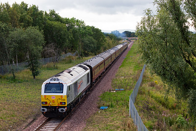 The going away shot with DBS silver liveried loco 67026 Silver Jubilee on the back.  Due to there being no run round facilities at Tweedbank, the diesel is required to bring the train back to Edinburgh.