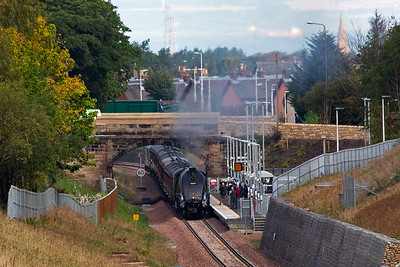 And here is the main event and the reason for me being out this day.  As part of the opening celebrations 60009 worked three trips a week to Tweedbank for a seven week period.  Here No9 passes through the station on the level with 1Z22 1052 Edinburgh to Tweedbank.