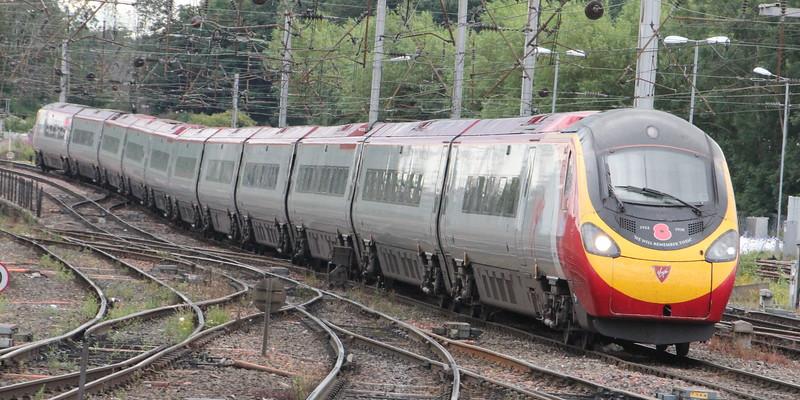 Pendolino 390 103 on 1S52 (1030 EUS to GLC) arriving at Carlisle. Carlisle 25 July 2015