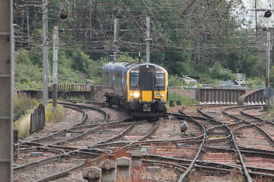 350 402 on 1S56 (1200 MIA to EDB) arriving at Carlisle. Carlisle 25 July 2015
