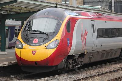 Pendolino 390 103 on 1S52 (1030 EUS to GLC) at Platform 3 Carlisle 25 July 2015