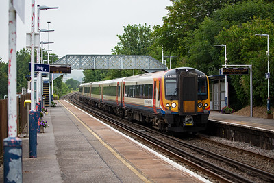 444019 runs into Upwey with 1W69 1405 off London Waterloo to Weymouth.