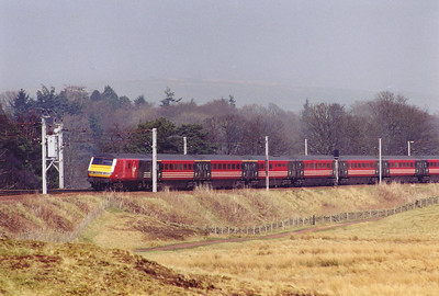 "Moving again to the south of Abington and the weather is getting better. DVT 82141 leads the VWC flagship train, 1M25 1148 Glasgow Central to Euston, the up ""Royal Scot""."