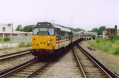 31454 rolls into Weymouth with 2O86 0828 off Bristol with 31128 on the rear. I was to ride the train to Bristol for some serious Goyle thrash, I was not disappointed!  16/7/2004