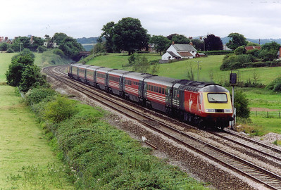 Facing the opposite direction and another Virgin high speed set comes by. This train is 1S41 1411 Plymouth to Edinburgh with powercars 43068 and 43062. The train is due in the Scots capital at 2255.